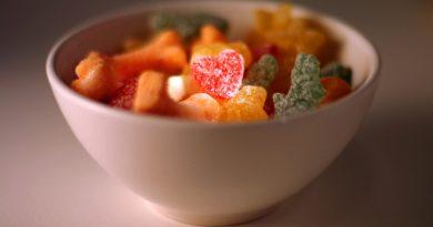 Vegan snack foods